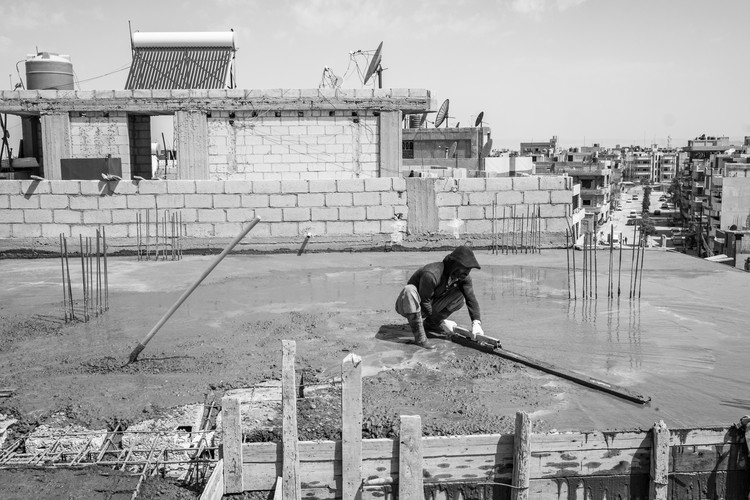 syria construction worker quamishli 2018